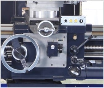 CONVENTIONAL / MANUAL LATHE | HL-720